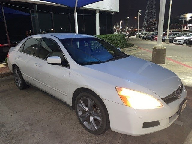 Pre-Owned 2006 Honda Accord LX